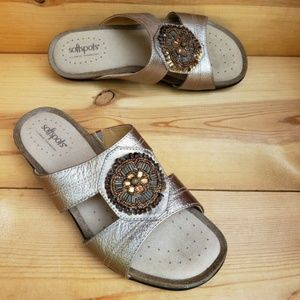 Softspots 9.5 WIDE Leather Beaded Metallic Sandals